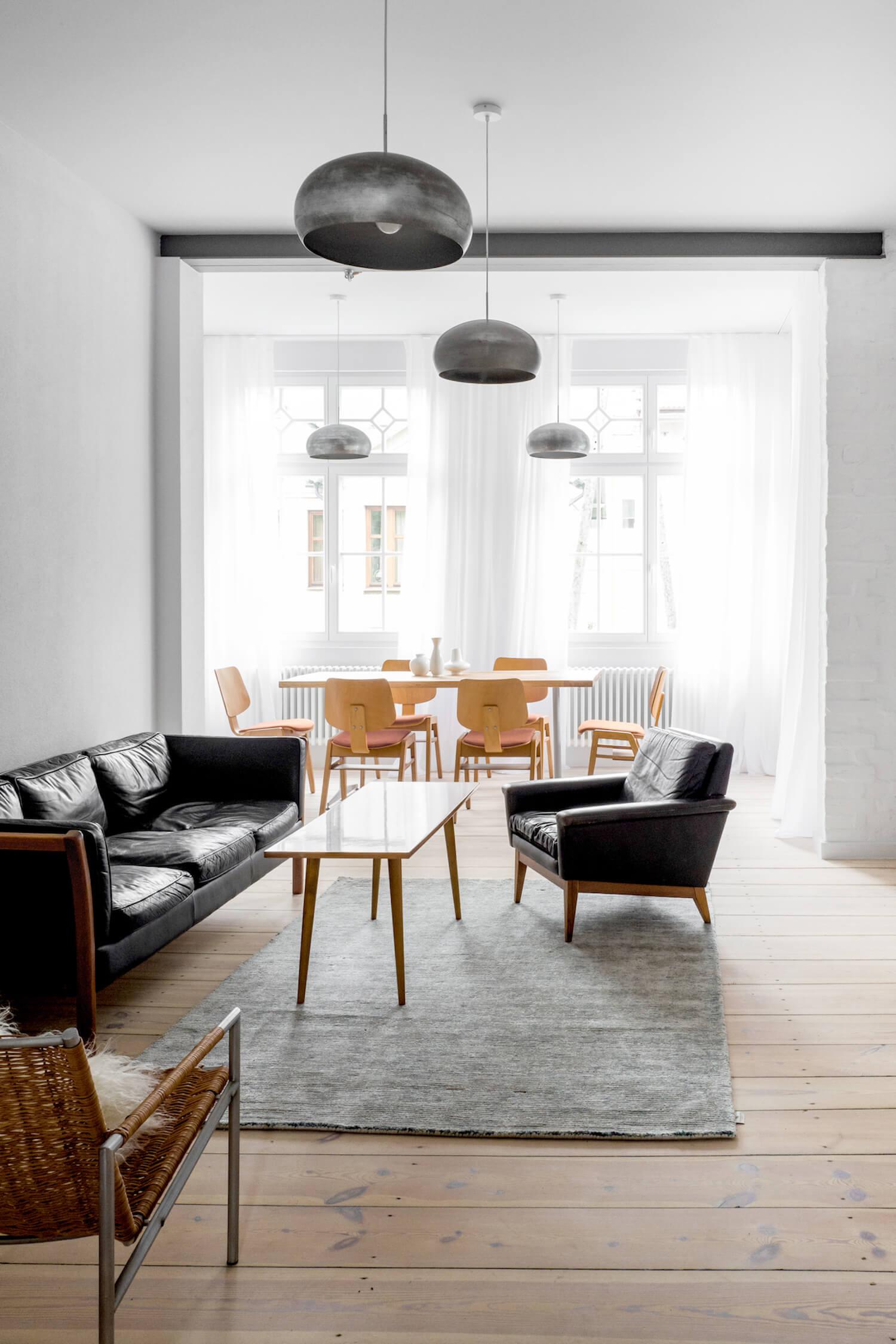 Der Parkettboden Hat Es Mir Besonders Angetan Und Auch Die Holzstühle Im  Esszimmer Sind Wirklich Ganz Toll. Was Meint Ihr Dazu?